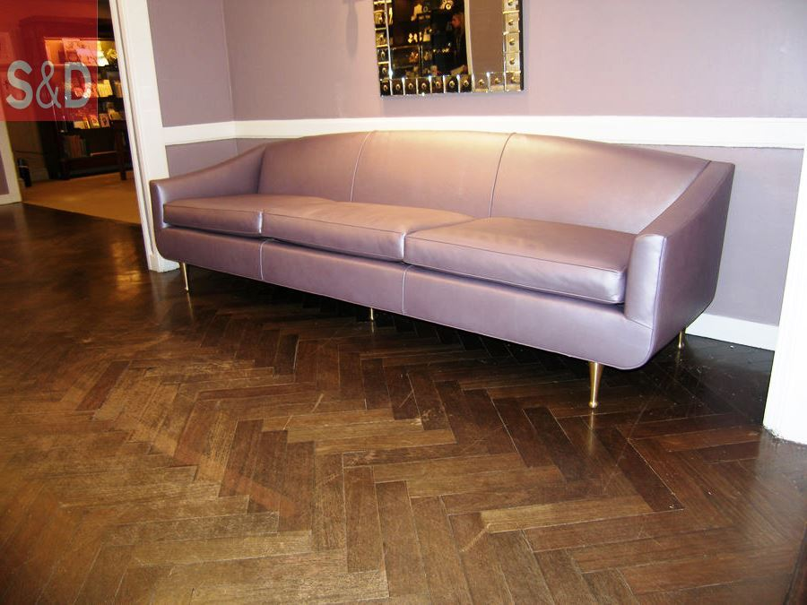 1950s purple leather sofa detail 3 - Авторский диван на заказ