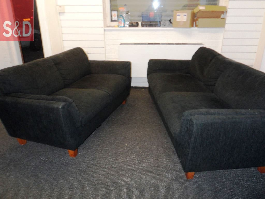Ikea Sofa Set Black Suede 3 Seater 2 Seater wooden feet very 20161006122226 1024x768 - Прямые диваны на заказ