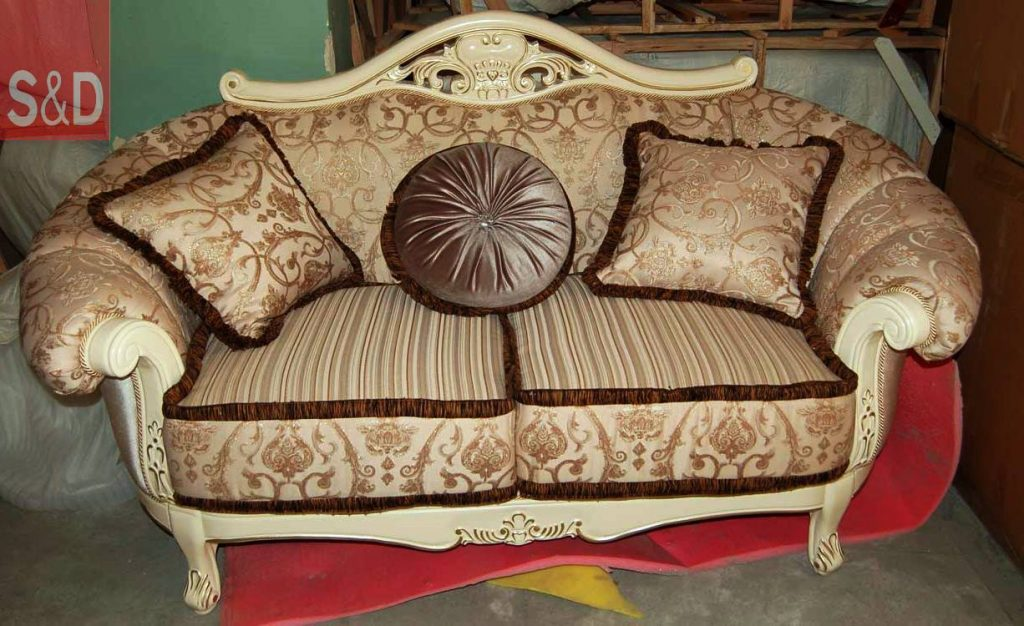 classic1020 1024x626 - Авторский диван на заказ