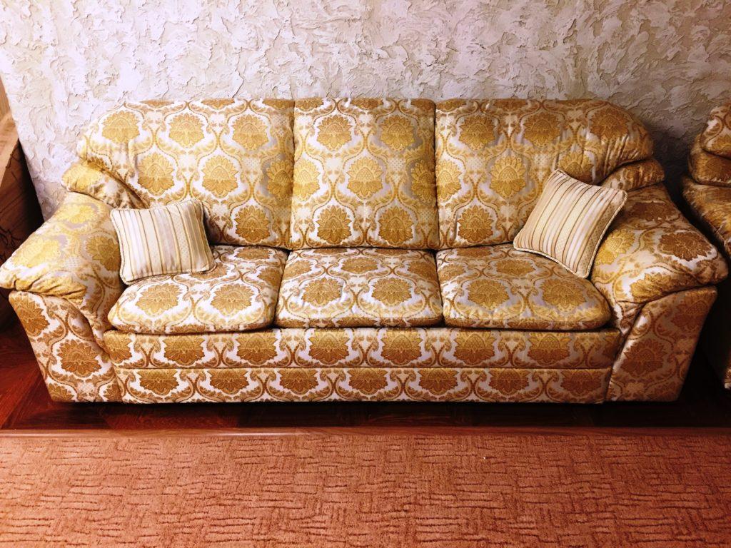 IMG 3623 25 11 16 20 00 1024x768 - Перетяжка мягкой мебели