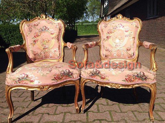 92b6504ee6c44f9302915c95efc55885 - Мягкая мебель в стиле Рококо