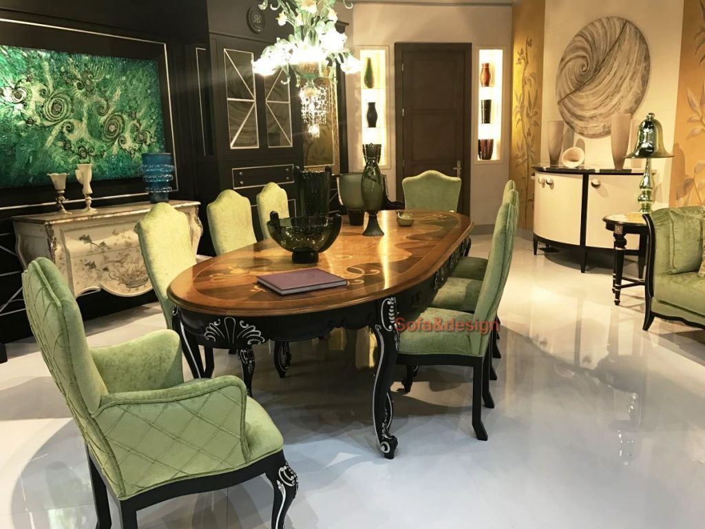 Green baroque upholstered dining chairs and solid mahonn table 1024x768 - Мягкая мебель в стиле Барокко