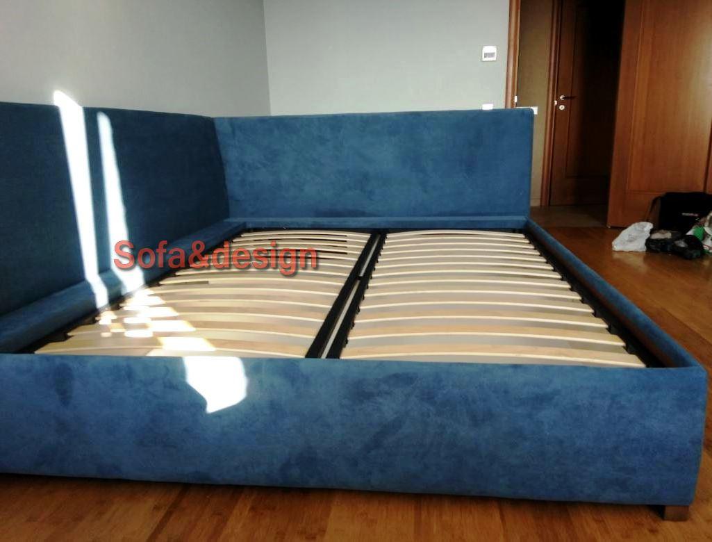 кровать голубая с углом